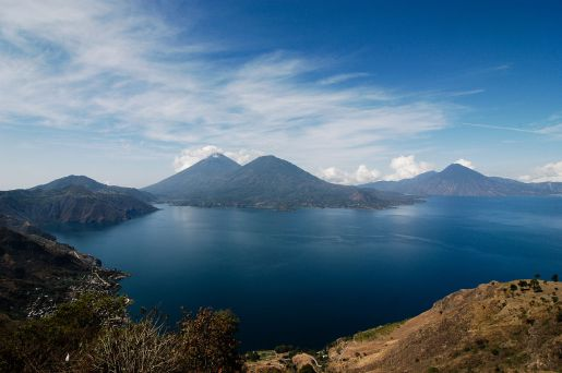 1280px-Volcanoes_at_Lake_Atitlan_2